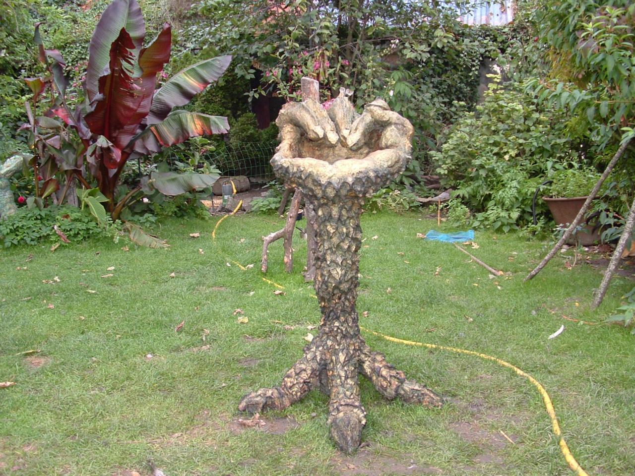 Waterspuwend tuinbeeld, 925 euro